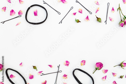 Billede Flowers and women accessories. Flat lay. Top view.