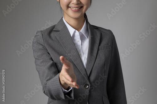Poster 握手をする女性、協力、友好、信頼、対等