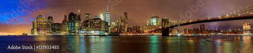 Tuinposter Brooklyn Bridge Night view of the Brooklyn Bridge in New York City