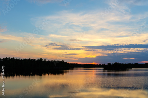 Papiers peints Morning Glory summer sunset over the lake