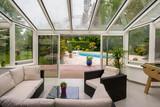 véranda terrasse piscine - 132136686