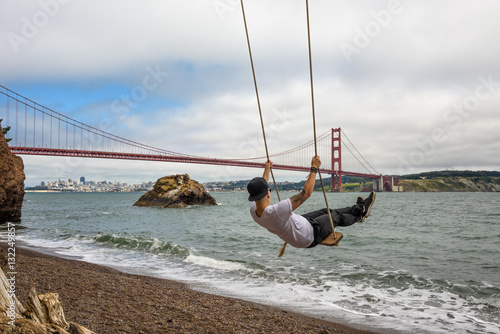 Poster Swing and the Golden gate bridge in San Francisco