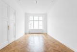 leeres Zimmer, schöne Wohnung, renoviert - 132307289
