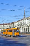 Torino i tramwaj w piazza vittorio veneto piemonte italy europy europy włochy