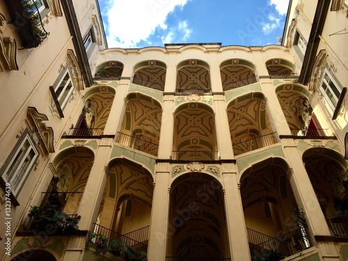 Foto op Aluminium Napels Napoli, rione Sanita' - il palazzo dello Spagnuolo