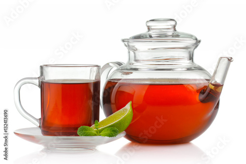 Papiers peints The Tea cup, teapot with fresh mint and lime isolated