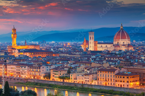 Papiers peints Florence Florence. Cityscape image of Florence, Italy during dramatic sunset.