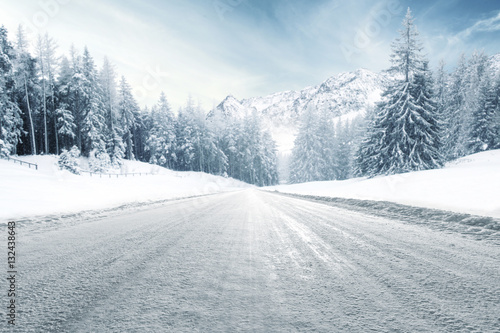 Foto op Canvas Wit winter road and cold day