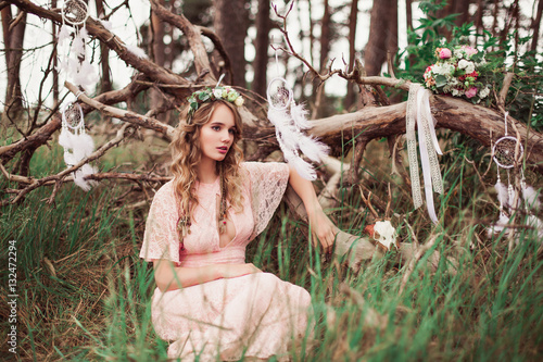 Poster Gorgeous Boho Bride With Dream Catchers In Forest