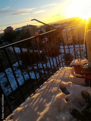 Poster Le impronte sulla neve in balcone