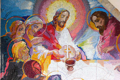 Naklejka MEDJUGORJE, BOSNIA AND HERZEGOVINA, 2016/6/5. Mosaic of the institution of the Eucharist at the last supper by Jesus Christ as the fifth Luminous mystery.