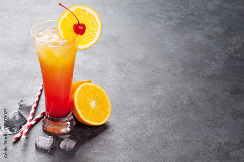 Poster Tequila sunrise cocktail