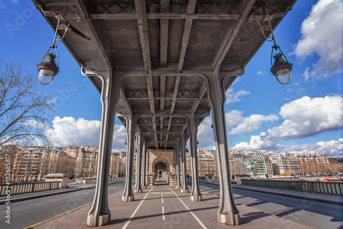 Poster Bir Hakeim bridge in Paris, France