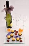 Celebrando San Valentín. Celebración con vino en este destacado día.