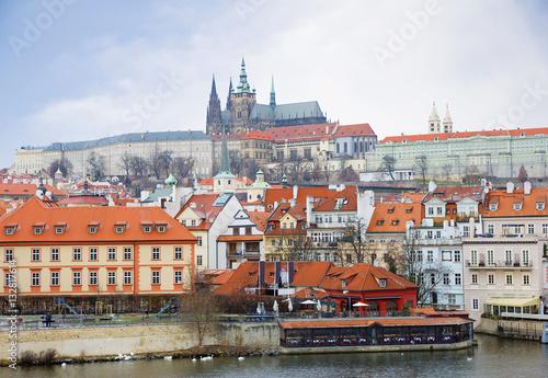 Poster Вид на Пражский Град с собором Святого Вита. Чехия.