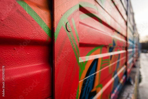 rote graffiti wand poster sold at europosters. Black Bedroom Furniture Sets. Home Design Ideas