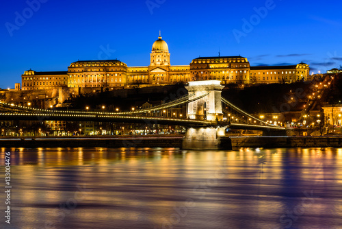Poster Hungarian landmarks, Chain Bridge, Royal Palace and Danube river in Budapest at night