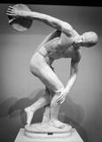 Discobolus classical ancient sculpture - 133062483