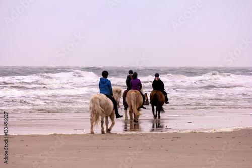 Reiter am Strand von Amrum
