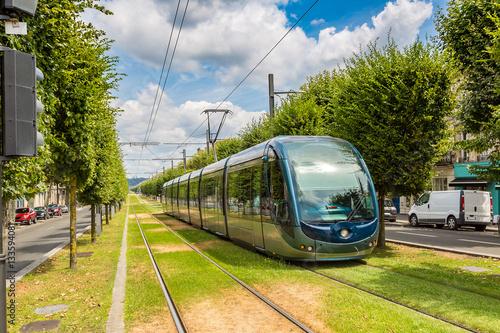 Modern city tram in Bordeaux © Sergii Figurnyi