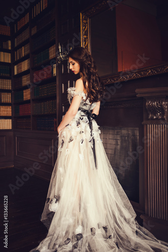 Billede Elegant lady wearing evening dress