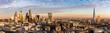 Sonnenuntergang hinter der neuen Skyline von London - 133827880