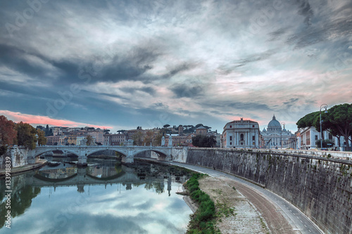 Leinwand Poster River Tevere with the St. Peter's Basilica