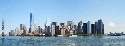 Manhattan skyline in the water front - 133981214