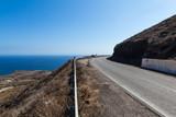 Santorini, Grecja, Oia - Droga do luksusowych ośrodków z basenami i widokiem na morze