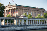 Alte Nationalgallerie in Berlin, Spreeseite