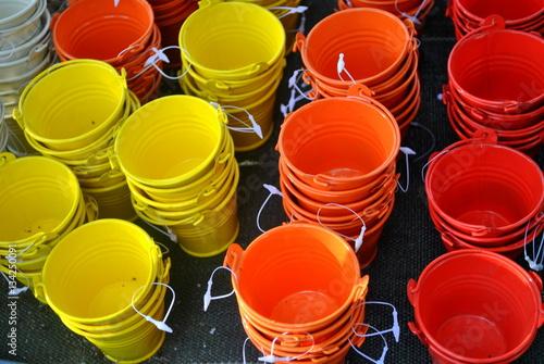 Zdjęcia Kolorowe doniczki