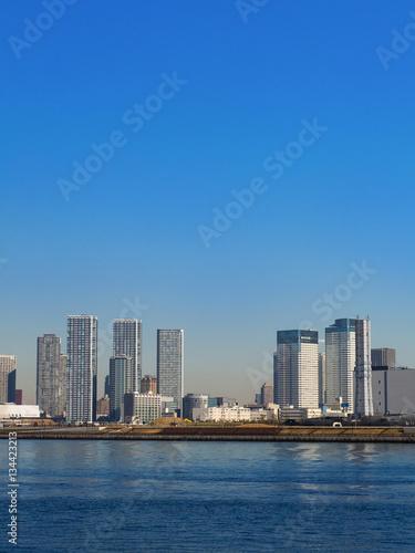 Poster 東京港と高層ビル群