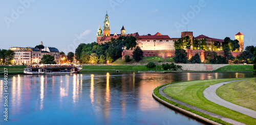 Foto op Aluminium Krakau Krakovw, Poland, Wawel hill at night