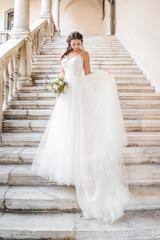 Natürliches romantisches Make-up und Styling für eine Hochzeit © Hetizia
