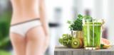 Succo di frutta e verdura o estratto sano e verde