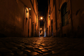 Rue de Rome la nuit, Rome, Latium, Italy © AWP