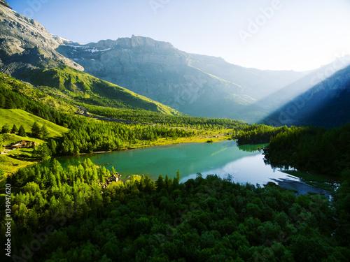 Foto op Plexiglas Bergen Lac de Derborence, Valais, Schweiz, Luftbild
