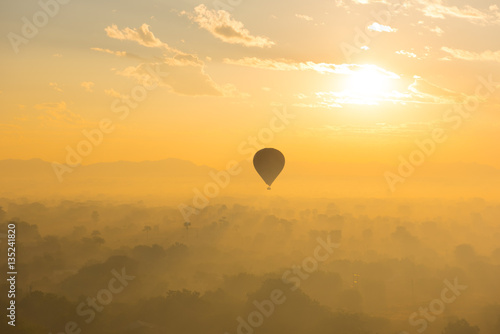 Ballons über Bagan Poster
