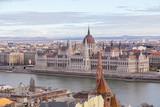 Ungarisches Parlament Budapest bei Tag