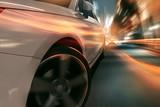 Surreale nächtliche Stadtszene mit schnellem Auto