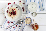porridge with cranberries - 135506092