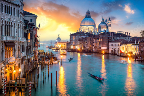 Venedig bei Sonnenuntergang © eyetronic