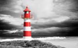 Leuchtturm an der Küste schwarz/weiß - 135715219