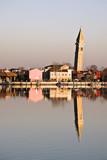 Veduta di Burano con il suo campanile pendente