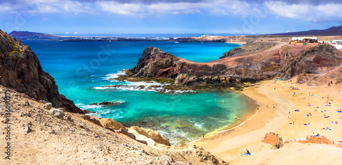 Foto op Aluminium Canarische Eilanden Unique volcanic island Lanzarote - beautiful beach Papagayo, Canary islands, Spain
