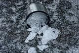 Железная кружка со льдом