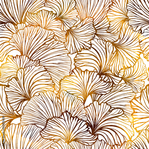 Ginkgo leaves seamless pattern - 136513409