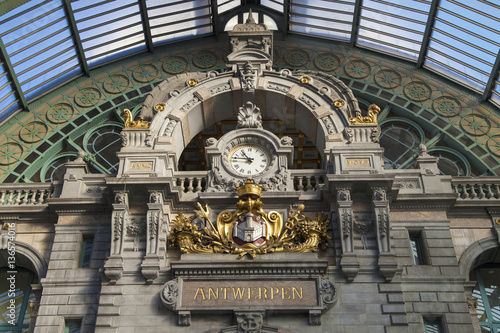 Foto op Plexiglas Antwerpen Clock of Antwerp Central Railway Station