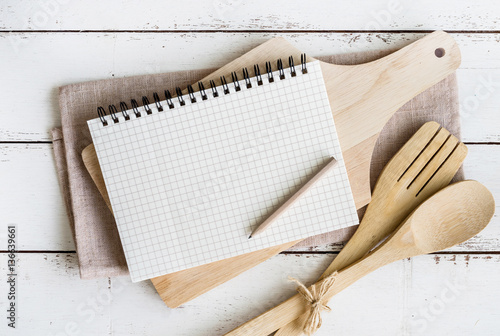 list of writing utensils
