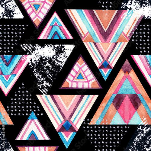 Abstract watercolor triangle seamless pattern. - 136986089